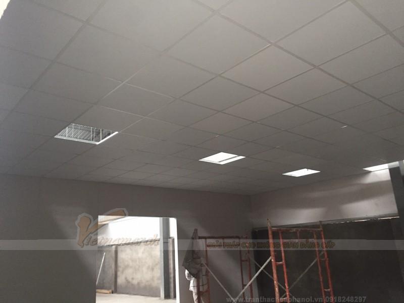 Hệ trần thạch cao thả hoàn thiện cho nhà xưởng tại KCN Nam Thăng Long