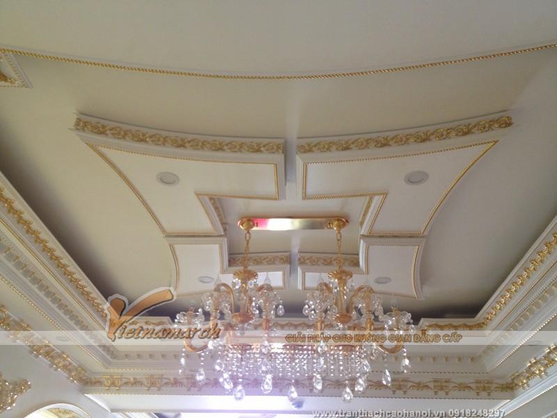 Hoàn thiện trần thạch cao và phào chỉ trang trí cho biệt thự tại Cầu Diễn